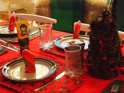 640px-Christmas_dinner_table_(5300042600)